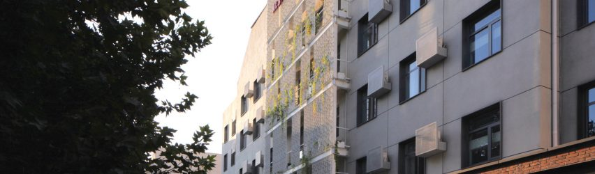 مزیت های بازسازی نمای ساختمان